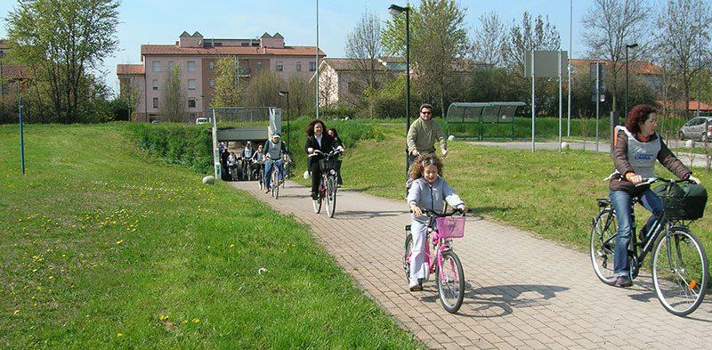 Al parco in bicicletta