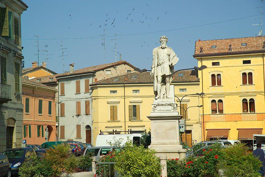 Monumento al Correggio